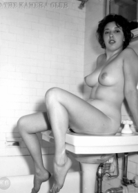 Unknown 1950's Woman-05 (1280)